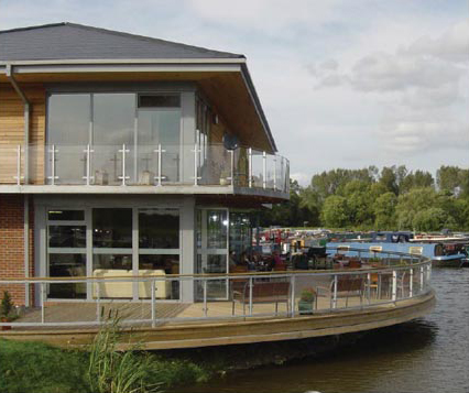 Pillings Lock Marina Boat House Restaurant 2